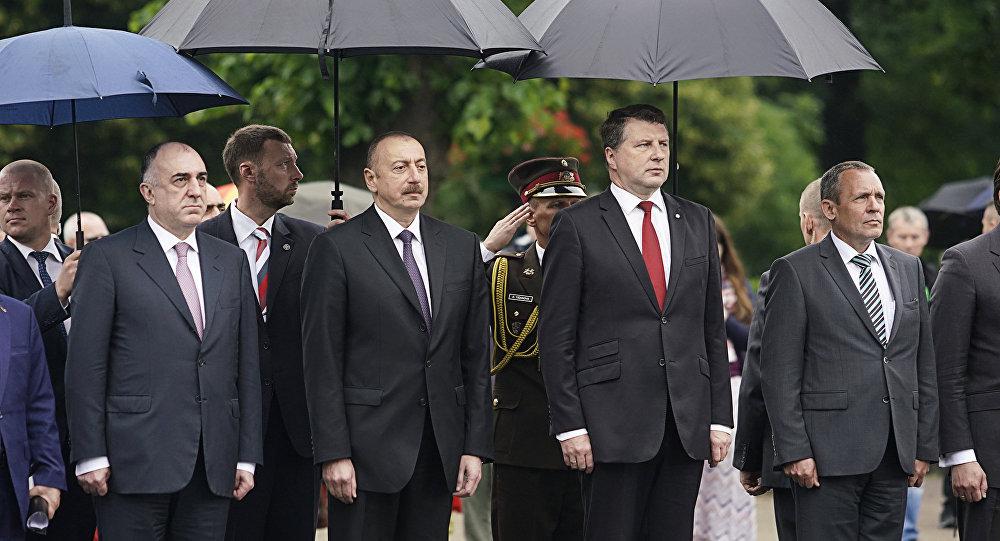 Состоялась встреча один наодин президентов Азербайджана иЛатвии