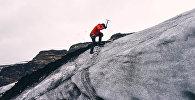 Альпинист, архивное фото