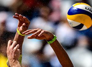 Пляжный волейбол, архивное фото