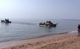 Форсирование Керченского пролива на бронемашинах