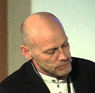Литовский  журналист и блоггер Артурас Рачас