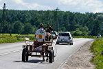 Гужевой транспорт на латвийской дороге