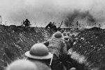 Британские военные на поле боя во время Первой мировой войны