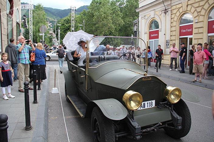 Автомобиль, подобный тому, на котором передвигались эрцгерцог Франц Фердинанд с супругой Софией Гогенберг в Сараево
