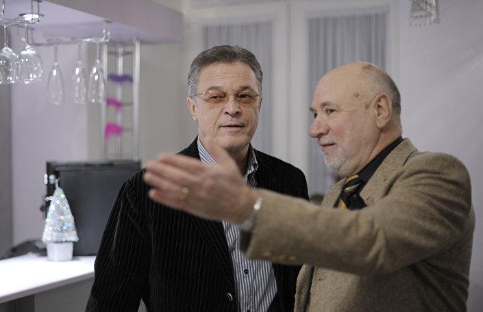 Ивар Калныньш и Борис Львович на юбилейном вечере Эммануила Виторгана