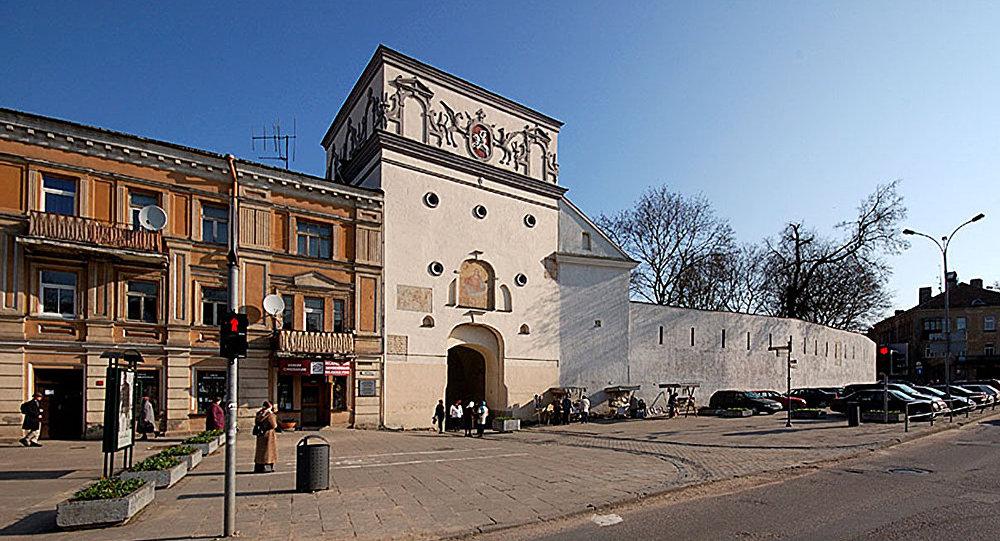 Южный фасад Острой брамы (ворота Аушрос)