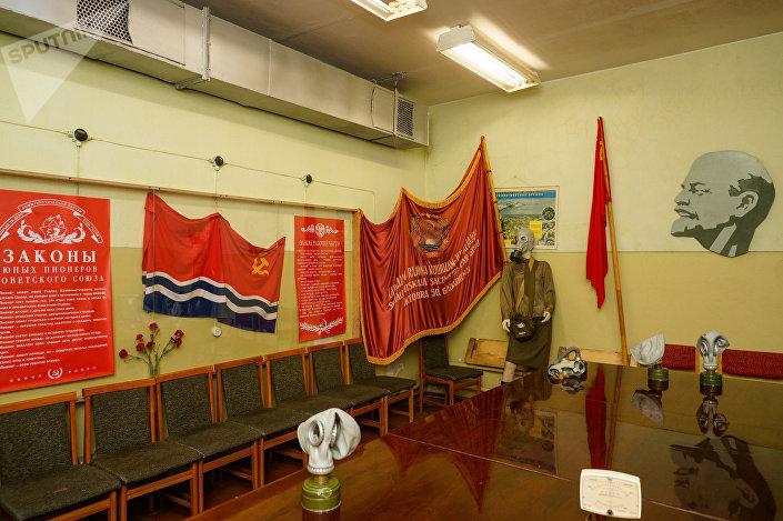 Комната-музей с экспонатами советской эпохи