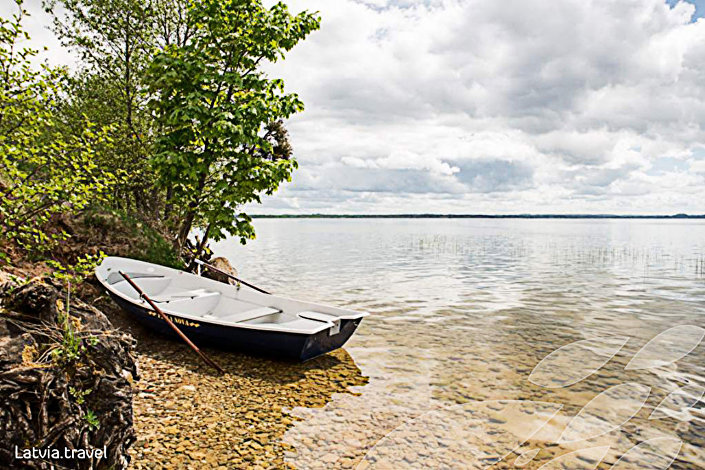 Озеро Разна (Rāznas) в Латгалии