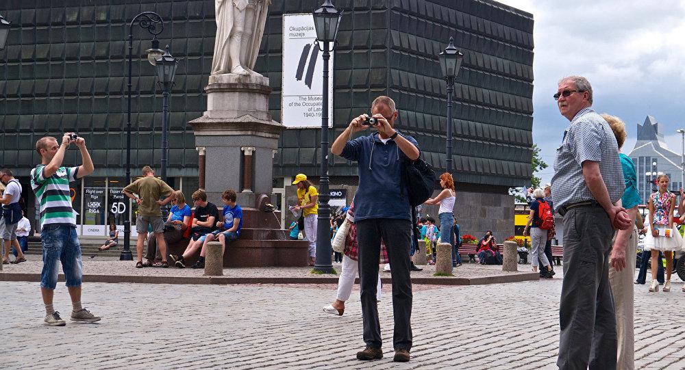 Туристы в Риге