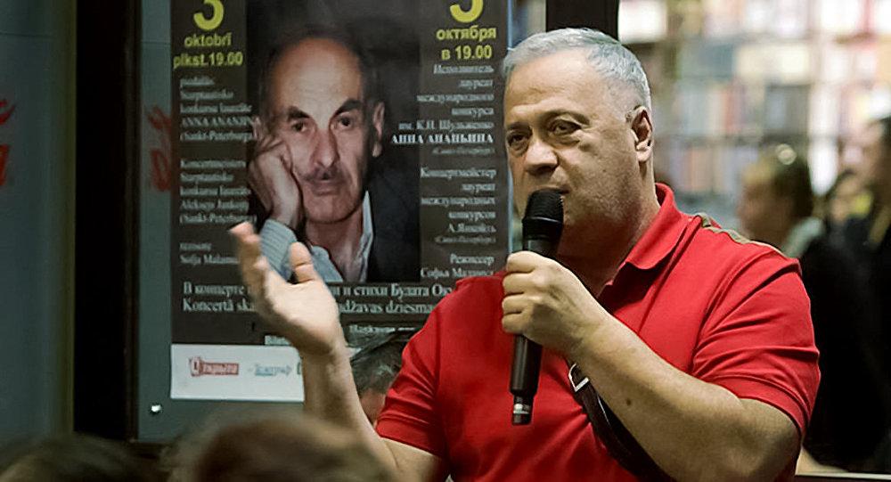Научный руководитель педагогического центра Эксперимент и частной средней школы Иннова Бронислав Зельцерман