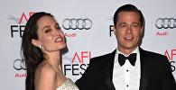 Amerikāņu aktieri Breds Pits un Andželīna Džolija