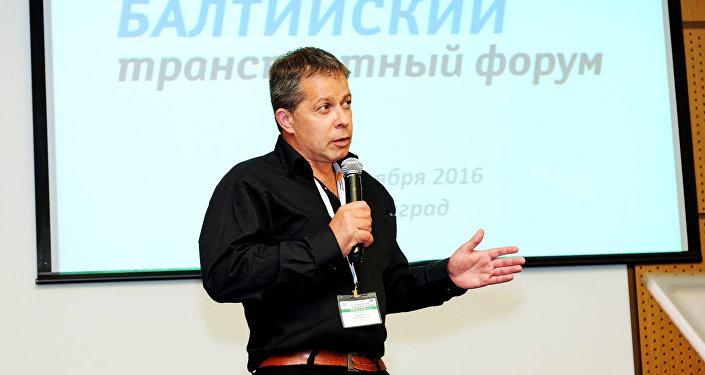 Политолог и журналист Андрей Татарчук
