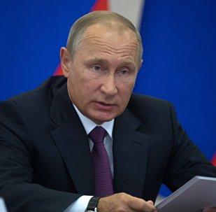 Krievijas prezidents Vladimirs Putins sapulcē par transporta infrastruktūras attīstību Krievijas ziemeļrietumos