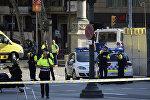 Policija Barselonā vietā, kur cilvēku pūlī ietriecās furgons
