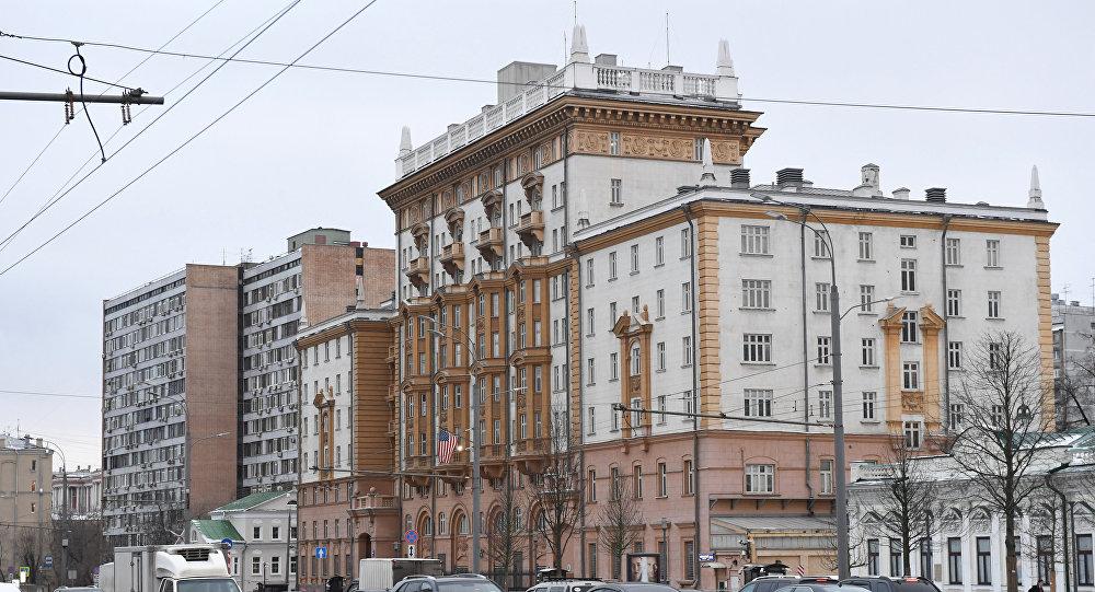 Американские диппредставительства закончили выдачу виз вСША навсей территории РФ