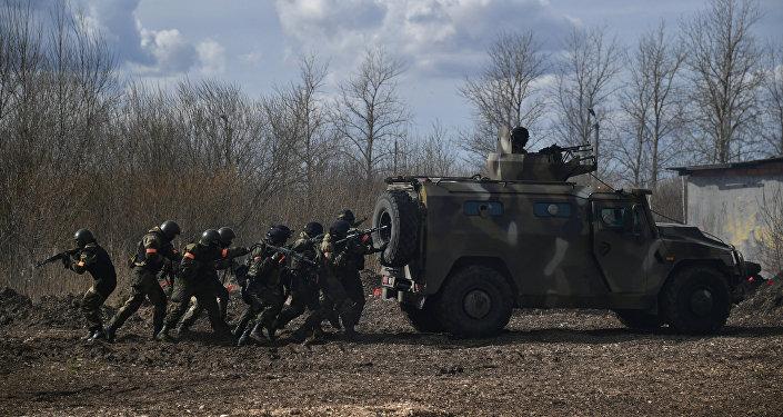 Krievijas un Baltkrievijas karavīri kopīgās mācībās