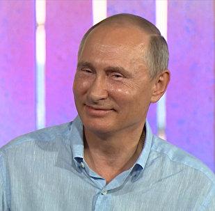 Krievijas prezidents Vladimirs Putins pastāstīja, ka viņa orķestra vadībā galvenais ir godaprāts un mīlestība pret savu darbu.