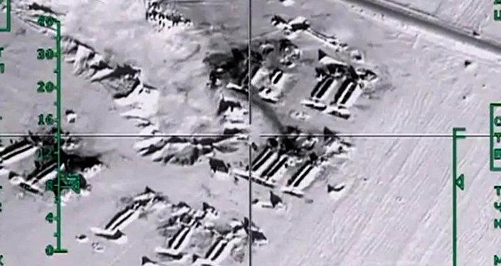 Уничтожение ВКС России нефтехранилищ ИГ в провинции Алеппо. Архивное фото