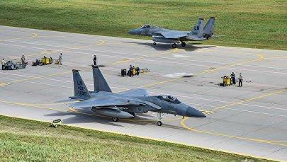 Американские F-15 приступают к изучению театра военных действий на литовской авиабазе в Зокняй, архивное фото