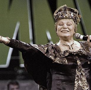 Исполнительница русских народных песен Людмила Рюмина, архивное фото