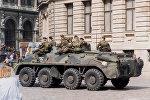 Бойцы рижского ОМОНа на Домской площади в августе 1991