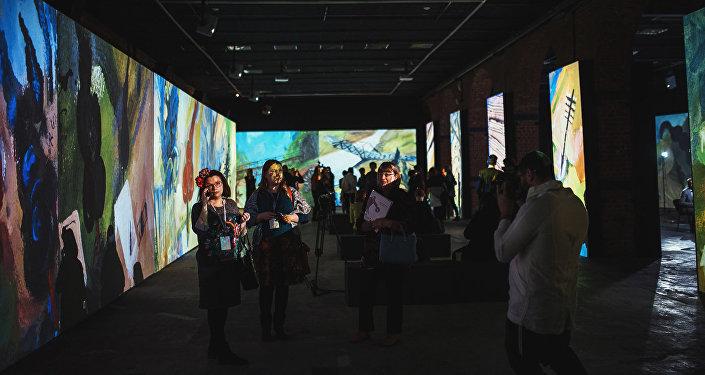 Открытие мультимедийного проекта Резо Габриадзе Необыкновенная выставка в Красном зале Музея Москвы