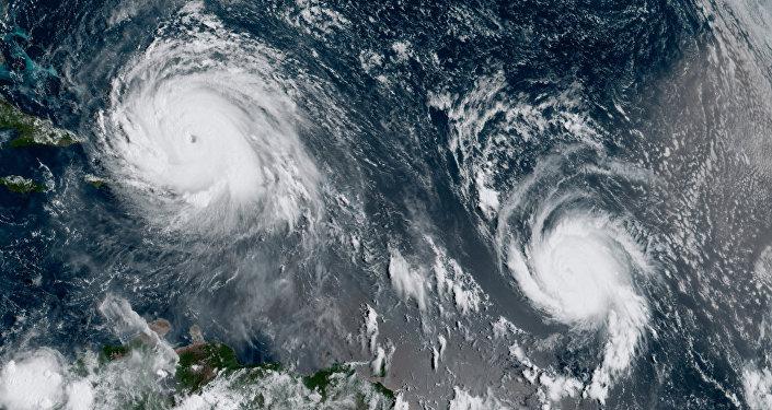 Ураганы Ирма и Хосе в Атлантическом океане на снимке со спутника