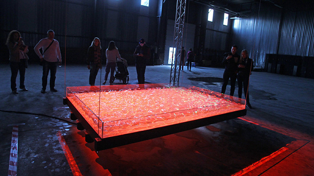 Инсталляция художника Волдемарса Йохансонса Поток света