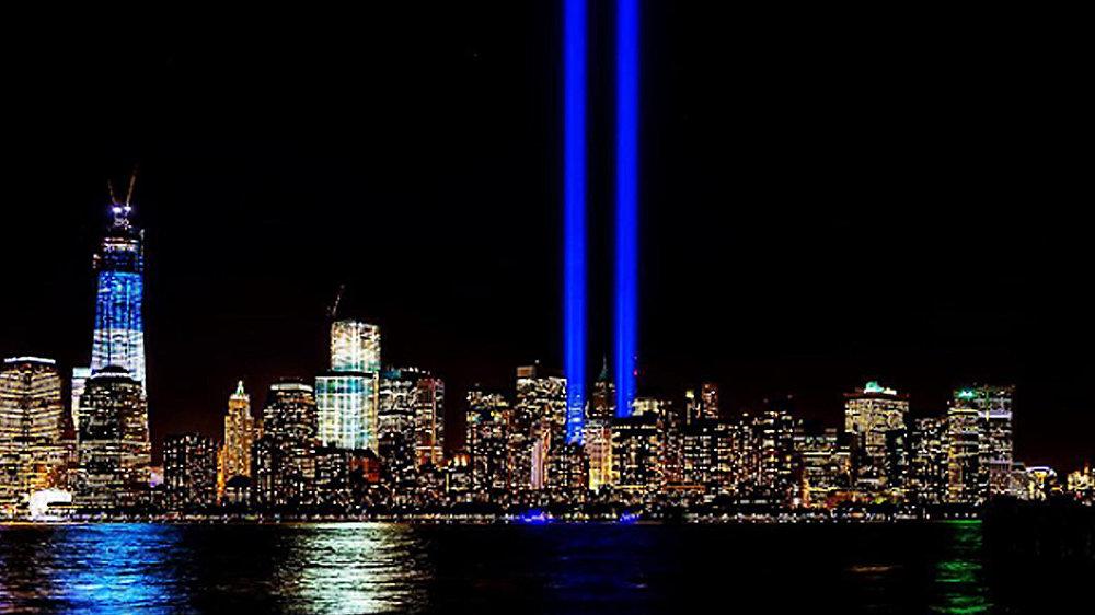 Световые инсталляции в память об 11 сентября 2001 года