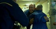 Uz kosmosa staciju devies kuģis ar jaunu ekipāžu