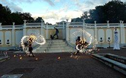 В таллиннском парке Кадриорг проходит фестиваль Свет шагает по Кадриоргу