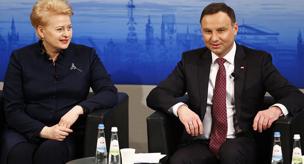 .Lietuvas prezidente Daļa Grībauskaite un Polijas prezidents Andžejs Duda Minhenes drošības konferencē
