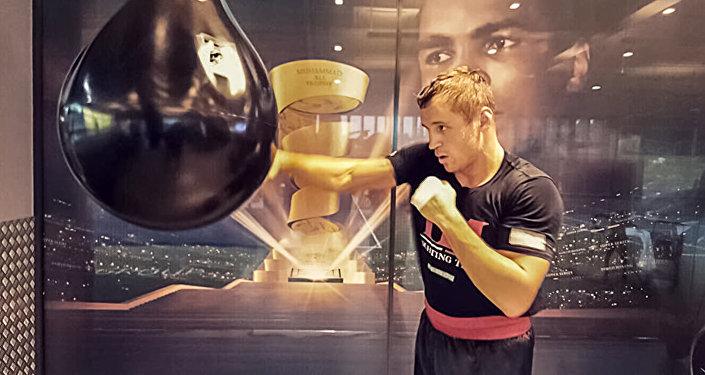 Майрис Бриедис — непобежденный латвийский боксёр-профессионал и кикбоксер, выступающий в первой тяжёлой и тяжёлой весовых категориях. Чемпион Европы по кикбоксингу. Чемпион мира по версиям WBC, IBO, IBA