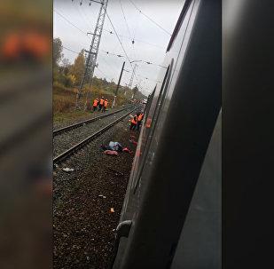 Vladimiras apgabalā vilciens sadūrās ar autobusu