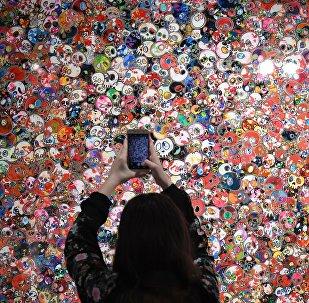 Выставка Такаси Мураками Будет ласковый дождь
