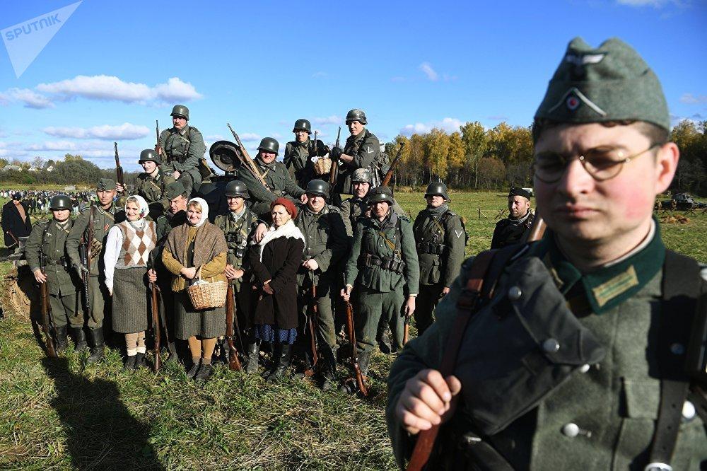 Aiz mums ir Maskava. 1941. gads: vēsturiskais festivāls Borodino