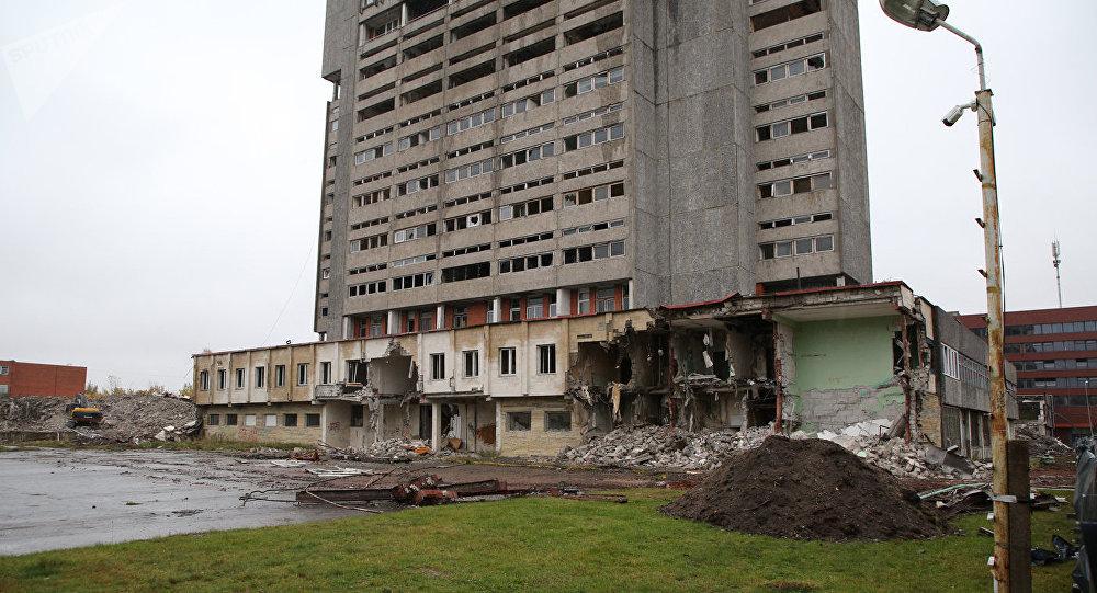 Rūpnīcas Radiotehnika ēkas nojaukšana Rīgā