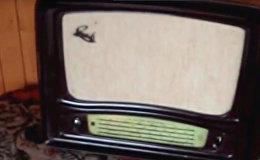 Radioamatieris pārbaudījis antikvāru uztvērēju Rīga 6