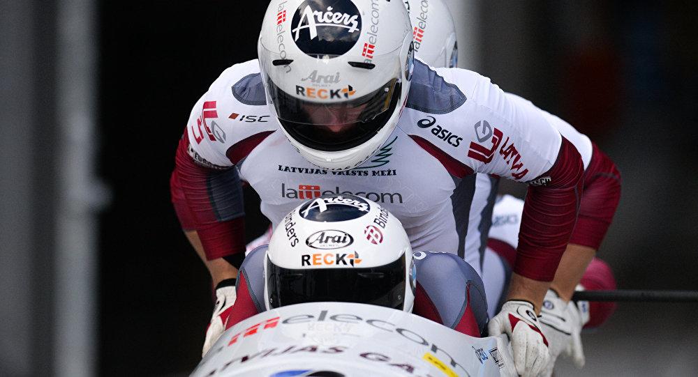 Latvijas bobslejisti. Foto no arhīva
