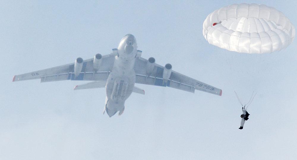 Krievijas gaisa desanta karaspēka mācības. Foto no arhīva