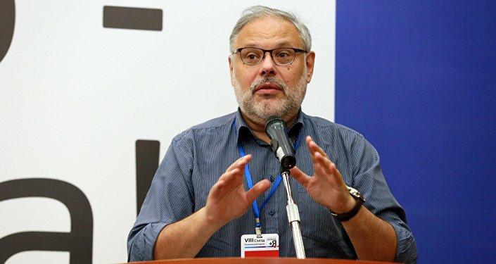 Российский экономист, аналитик, политолог Михаил Хазин