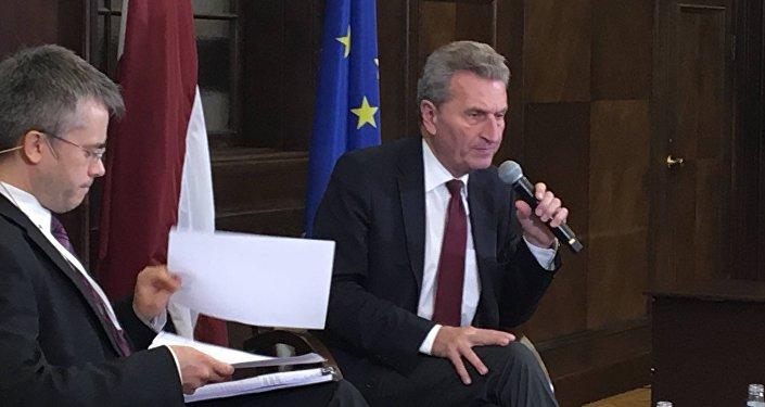 ВЕврокомиссии сообщили  овыходе еврозоны из финансового  кризиса