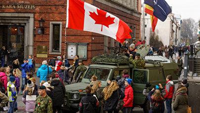 Выставка вооружения стран-участниц миссии НАТО в Латвии