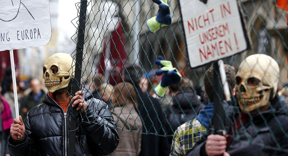 Demonstrācija pret bēgļu uzņemšanu. Foto no arhīva