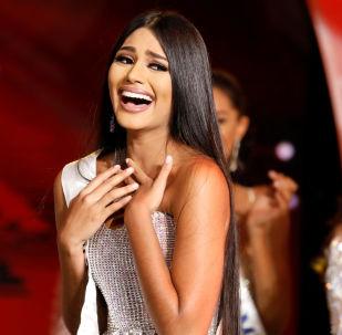 Stefānija Gutjerresa, Mis Delta Amakuro, tūlīt pēc uzvaras skaistuma konkursā Mis Venecuēla