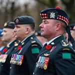 Военнослужащие Канады на церемонии в день Лачплесиса на Братском кладбище