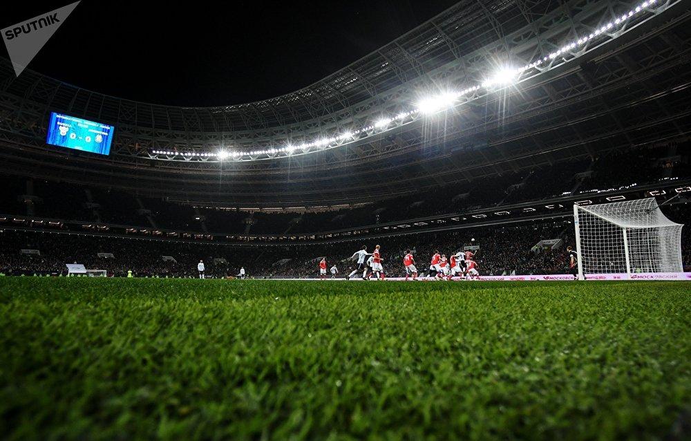На стадионе установили также новое освещение - хотя что говорить, ведь вся начинка спортивного объекта теперь новая