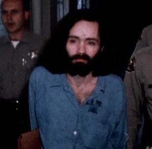 Pēc 46 cietumā pavadītiem gadiem miris sērijveida slepkava Čārlzs Mensons