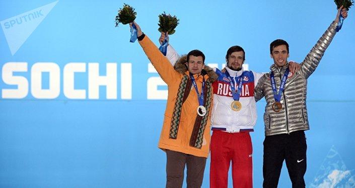 Мартинс Дукурс (Латвия), Александр Третьяков (Россия), Мэттью Энтуан (США) (слева направо)