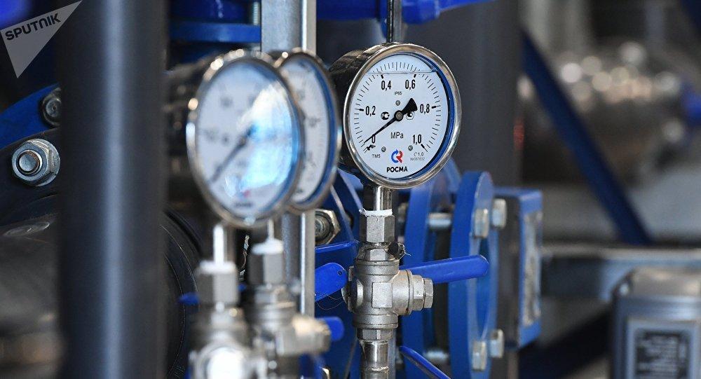 Участок угольных фильтров очистных сооружений на нефтеперерабатывающем заводе